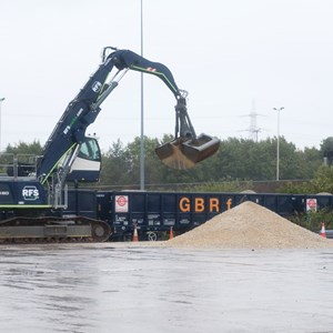 HS2 receives first aggregates rail delivery from GRS Rail Stone Solutions venture